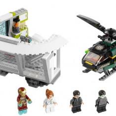 LEGO 76007 Iron Man: Malibu Mansion Attack - LEGO Classic