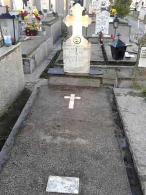 Vand loc de veci Cimitir Sf. Gheorghe Pitești foto