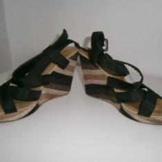 Sandale dama cu platforma,marimea 37!