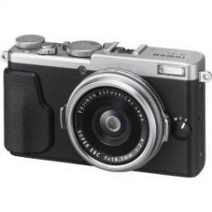 Aparat Foto Fujifilm FinePix X70, silver - Aparat Foto compact Fujifilm