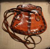 Poseta piele tip hobo/rustic/hippie executata manual, vintage, cu model batut, Geanta de umar, Negru