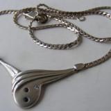 Lant si medalion pandantiv vechi din argint cu 3 pietre