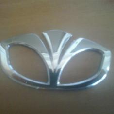 Sigla emblema - DAEWOO - 81 x 45 mm - Embleme auto