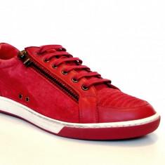 Sneakers MOSCHINO model 56107 - Tenisi barbati Moschino, Marime: 42, Culoare: Rosu
