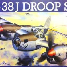 + Macheta 1/32 Revell 04791 - P-38J Lightning Droopsnoot (vezi detaliile) +
