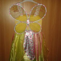 Rochie serbare, 3-4 ani, cu aripioare detasabile, aproape noua - Costum carnaval, Marime: Masura unica, Culoare: Multicolor