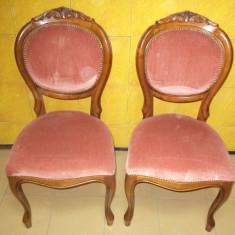 Superb set de 2 scaune antice perioada anilor 1900 inceput cu sculpturi