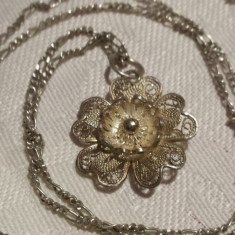 Medalion argint filigran Margareta vechi Finut SPLENDID vintage pe Lant argint