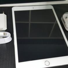 Tableta Apple iPad mini 3 128GB Alba cu accesorii - Tableta iPad mini 3