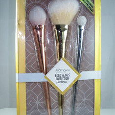 Set 3 Pensule Profesionale Machiaj Real Techniques - Bold Metals editie limitata - Pensula machiaj