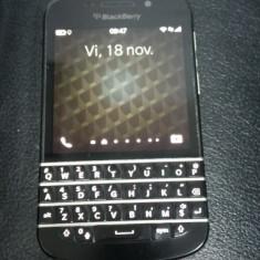 Vand Blackberry Q10 cadoul perfect acum cu 10% reducere - Telefon mobil Blackberry Q10, Negru, Neblocat