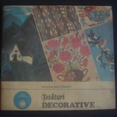 IUSTINA BALUTEANU - TESATURI DECORATIVE