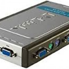 Swhitch 4 port kvm Switch D-link dkvm 4k