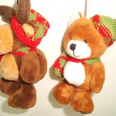 Set 2 figurine de plus ren si urs cu caciulita,  h 10  cm - decor Craciun