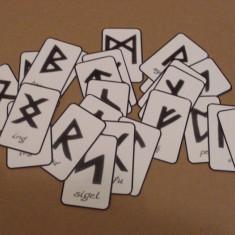 TAROT RUNIC - CARTI DE GHICIT - RUNE - RUNES - Carte ezoterism