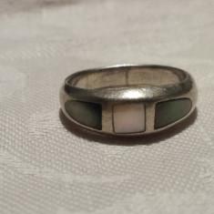 Inel argint vechi cu Sidef si Malachit vintage Finut Delicat Elegant de Efect
