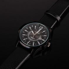 Ceas barbatesc elegant negru Curren cadran de 4.5cm cu afisare data, Lux - elegant, Quartz, Inox, Piele