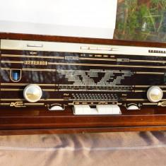 Radio vintage cu lampi Philips Reverbeo B7X14A Stereo - Aparat radio Philips, Analog
