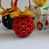 Globuri handmade din margele