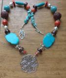Colier tip budist - turcoaz, coral, rasina si metal argintiu