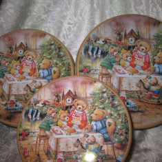 SET CUTII DIN TABLA MARCA FACKELMANN DECOR DE CRACIUN CU BRAD SI URSULETI 30 CM - Ornamente Craciun