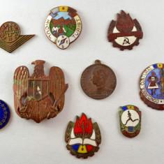 Lot de 9 bucati - Medalie, insigne, efecte militare Mokazie ! #355