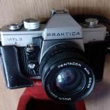 APARAT FOTO VINTAGE CU FILM PRAKTICA, CU HUSA ORIGINALA -OBIECTIV SUPERANGULAR - Aparat de Colectie
