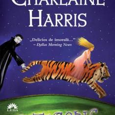 Charlaine Harris - Categoric moarta, Vampirii Sudului, Vol. 6 - Carte de aventura