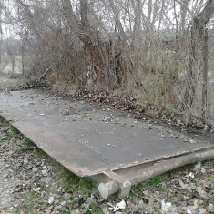Vand Pod Metalic