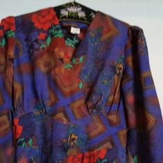 Rochie vintage plina de culoare