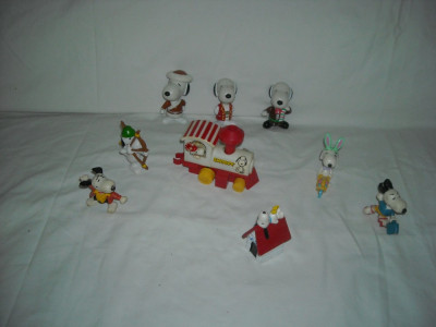 Snoopy - 9 figurine de cauciuc si plastic foto