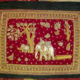 Tapiserie indiana Scena cu elefanti tesuta veche margele paiete 71x85cm