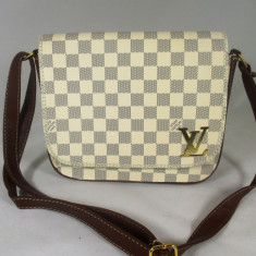 Geanta dama gen postas alba LV Louis Vuitton+CADOU, Culoare: Din imagine, Marime: Medie, Geanta stil postas, Asemanator piele