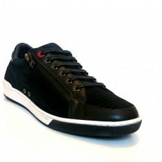 Sneakers MOSCHINO model 56107 - Ghete barbati Moschino, Marime: 43, Culoare: Negru