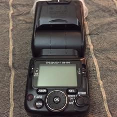 Vand blitz Nikon Speedlight SB-700 - Blitz dedicat