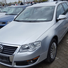 VW Passat BlueMotion AN 2010 EURO 5 Automat Parking Recent Adus superb, Unic Pro, Motorina/Diesel, 168000 km, 1968 cmc