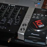 Echipament DJ din 1 x mixer Numark M4 + 2 x Pioneer CDJ 200