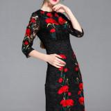 Rochie in inconfundabilul stil Dolce&Gabbana din dantela brodata