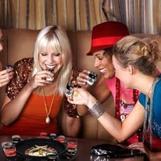 Set Casino cu Ruleta si Shoturi - Set poker