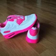 Adidasi Tenisi Dama Nike Air Max nr 37, 38 LICHIDARE DE STOC ! - Adidasi dama Nike, Culoare: Alb, Marime: Alta