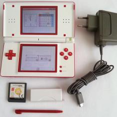 Consola Nintendo DS Lite special rosu-alb + joc + alimentator + capac slot gba
