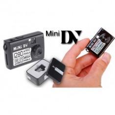 Mini camera cu functie de inregistrare pentru spionaj