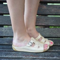 Papuc de dama, din piele bej, model lat cu o curea ajustabila - Papuci dama