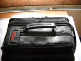 Geanta-piele-targus-pentru-laptop-si-accesorii