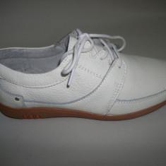 Pantof casual cu siret, de culoare alba, model simplu, clasic - Pantof barbat