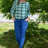 Pantalon deosebit, nuanta de albastru, fara imprimeu, buzunare laterale - Pantaloni dama