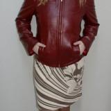 Jacheta din piele naturala, nuanta de visiniu, buzunare laterale