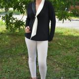Bluza neagra din material elastic cu insertie de saten tip sal