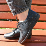 Pantof cu siret, tip mocasin, de culoare neagra, din piele moale - Pantof barbat