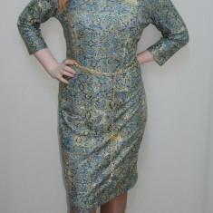 Rochie chic, nuanta de bleumarin, design auriu fin - Rochie de seara